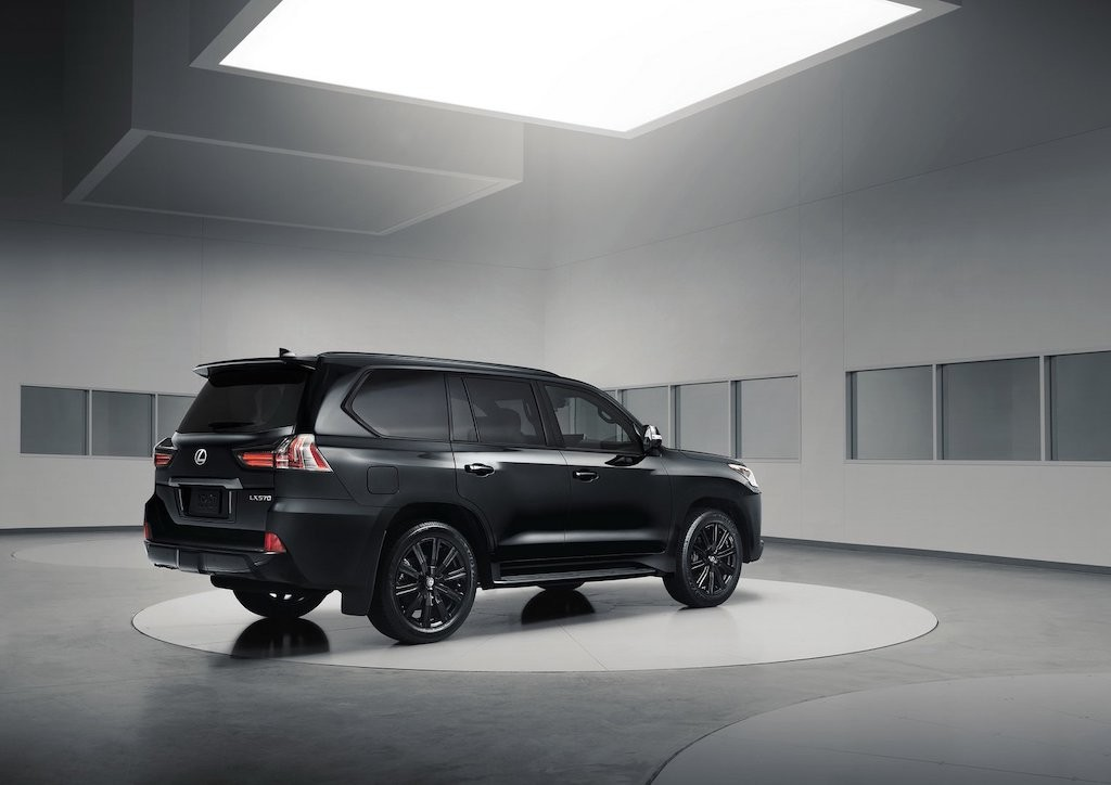 SUV hang sang Lexus LX570 Inspiration Series gia 234 ty co gi moi